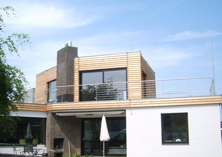 Fassade mit Lärchenholzbekleidung